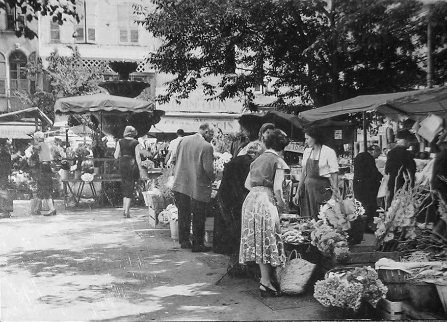 Photo de Grasse avec le marché de la place aux Aires (Alpes-Maritimes, France)